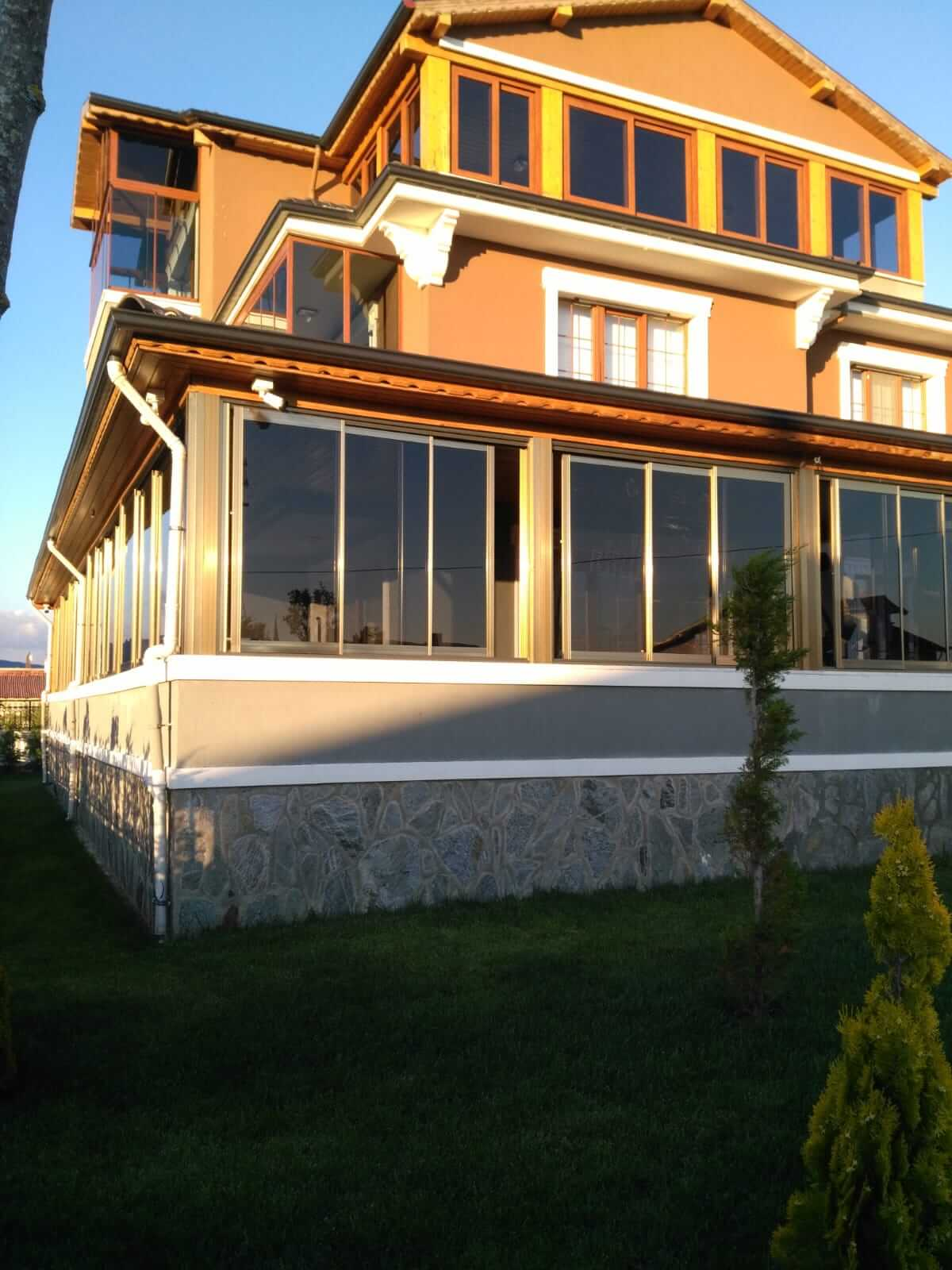 Ankara Bilkent Seri Cam Balkon Sistemleri